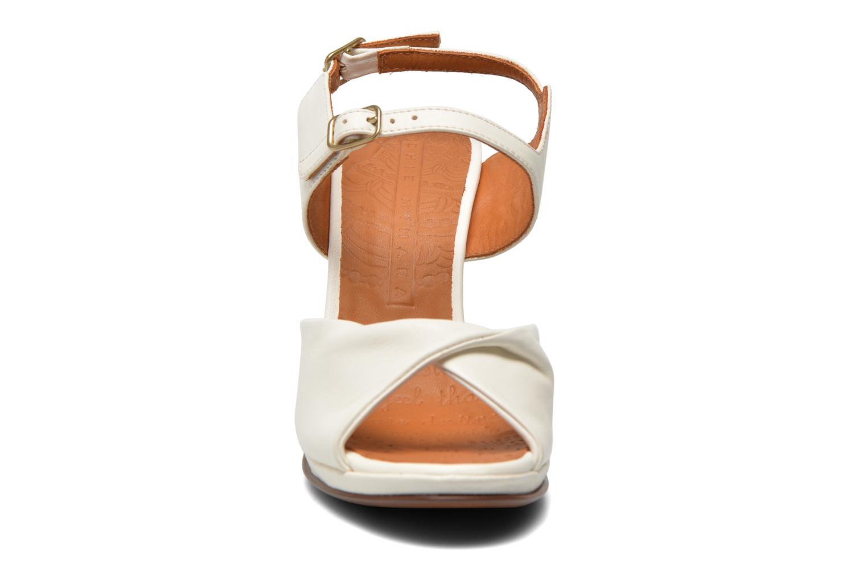 Sandales et nu-pieds Chie Mihara Bri Fira Blanc vue portées chaussures