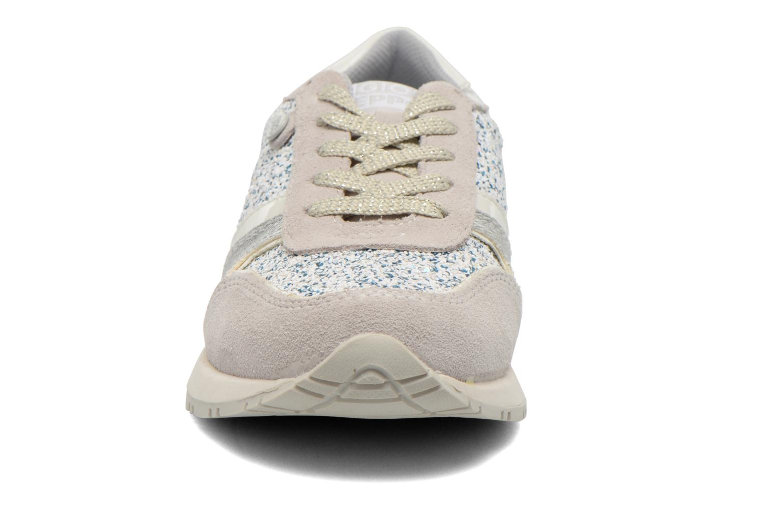 Trainers Gioseppo Sweety White model view