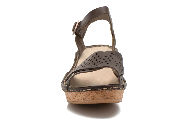 Sandals TBS Alyson Brown model view