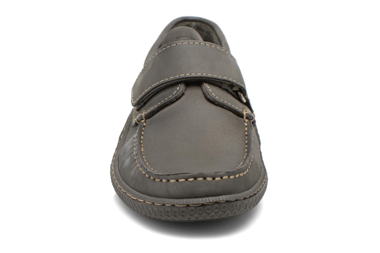 Skor med kardborrband TBS Galais Grå bild av skorna på
