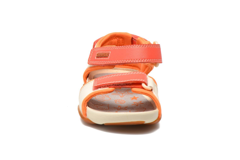 Sandales et nu-pieds Camper Ous K8 Beige vue portées chaussures