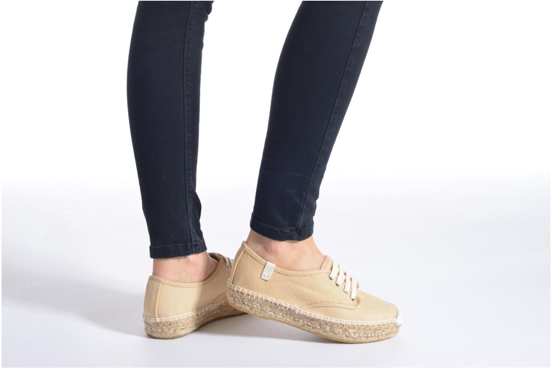 Chaussures à lacets Coolway Juttie Beige vue bas / vue portée sac