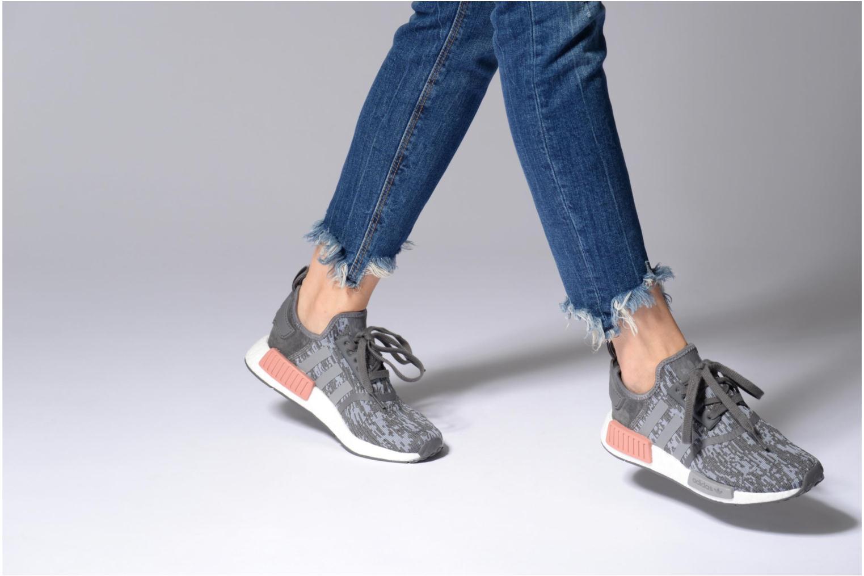 Baskets Adidas Originals Nmd_R1 W Gris vue bas / vue portée sac