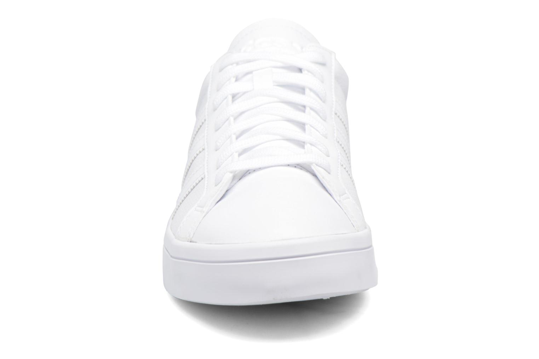 Sneaker Adidas Originals Court Vantage H weiß schuhe getragen