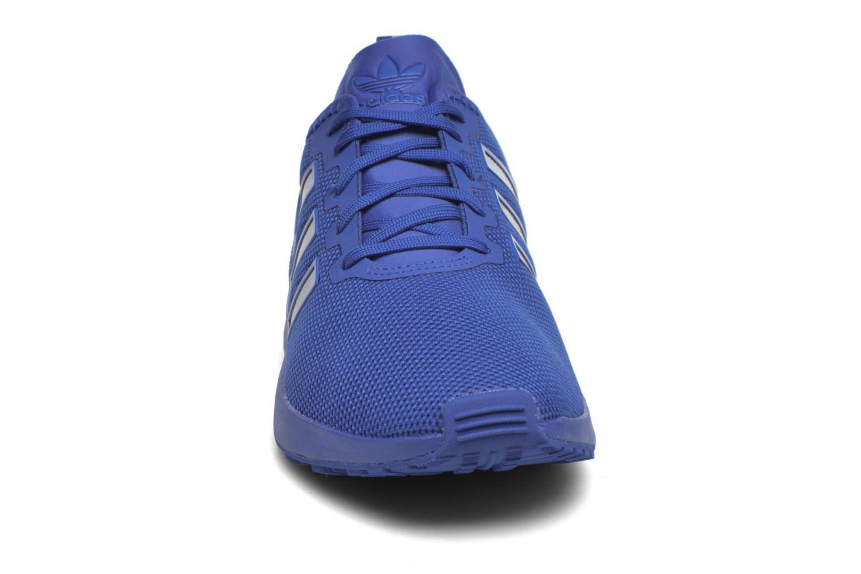 Baskets Adidas Originals Zx Flux Adv Bleu vue portées chaussures