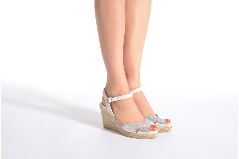 Sandales et nu-pieds Kanna Camoa Noir vue bas / vue portée sac