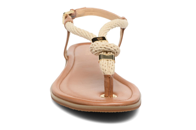 Sandales et nu-pieds Michael Michael Kors Holly Sandal Marron vue portées chaussures
