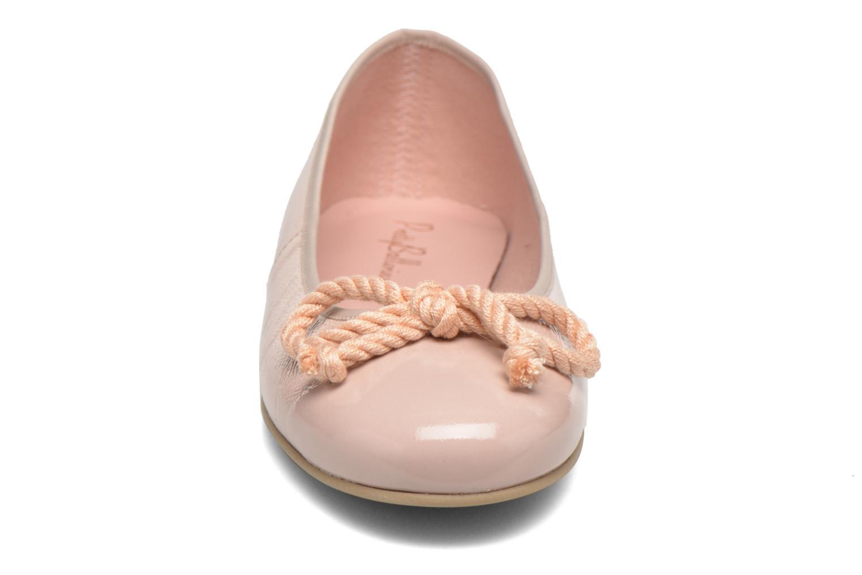 Ballerines Pretty Ballerinas Rosario thick lace Beige vue portées chaussures
