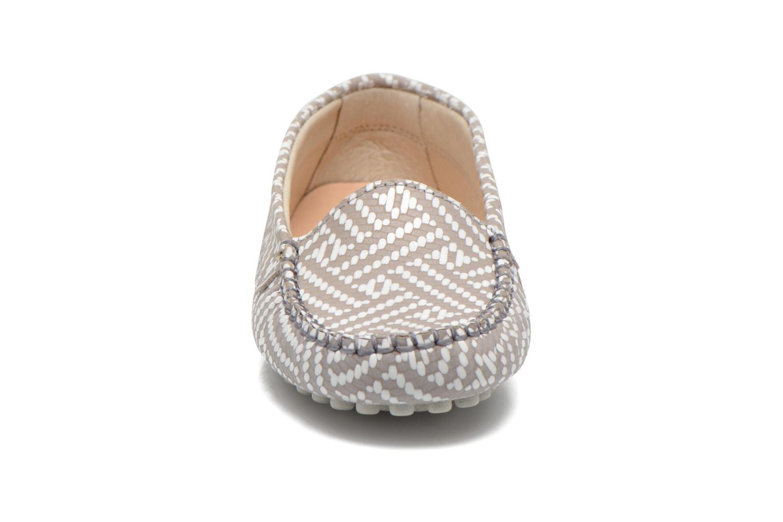 Loafers Manuela de Juan Bidai Grey model view