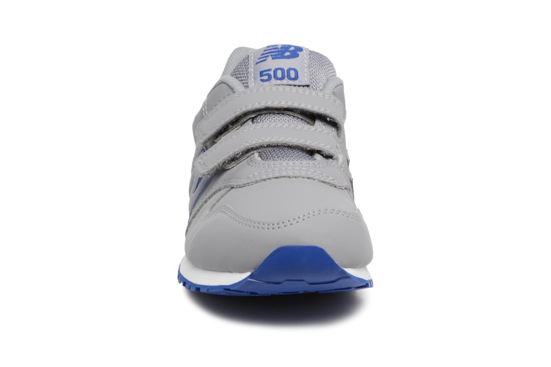 Deportivas New Balance KV500 J Gris vista del modelo