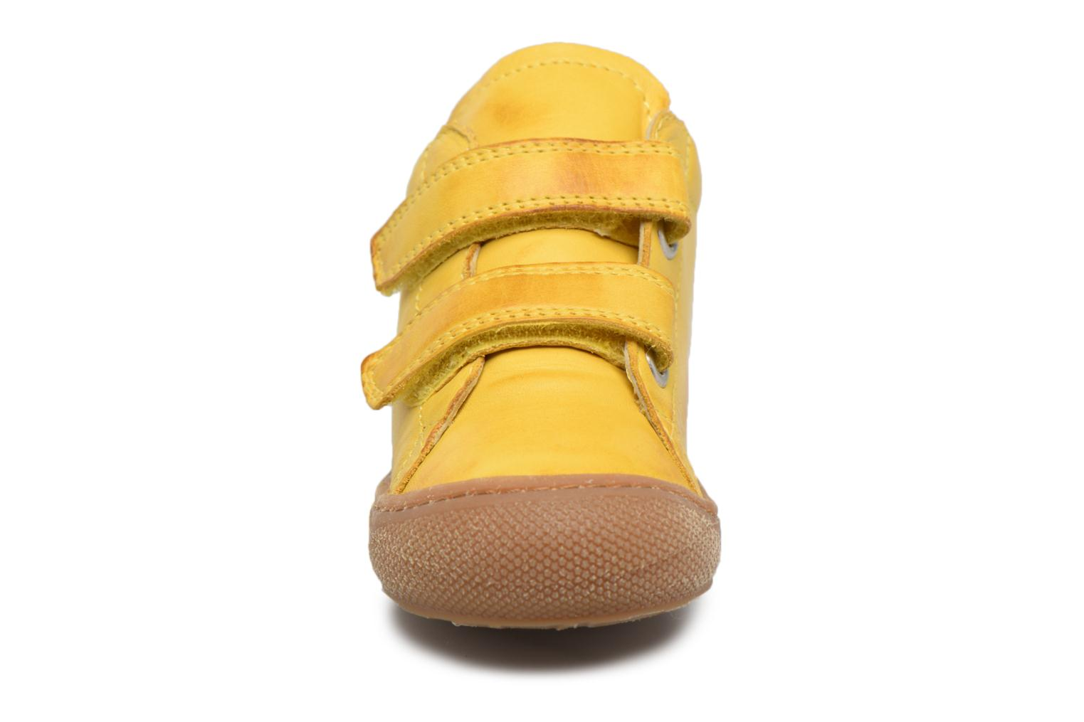 Trainers Naturino Cocoon VL Yellow model view