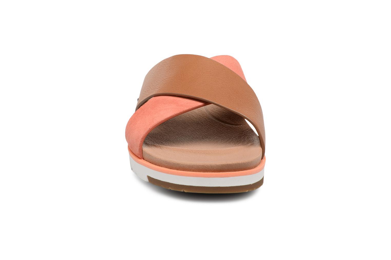 Mules et sabots UGG Kari Orange vue portées chaussures
