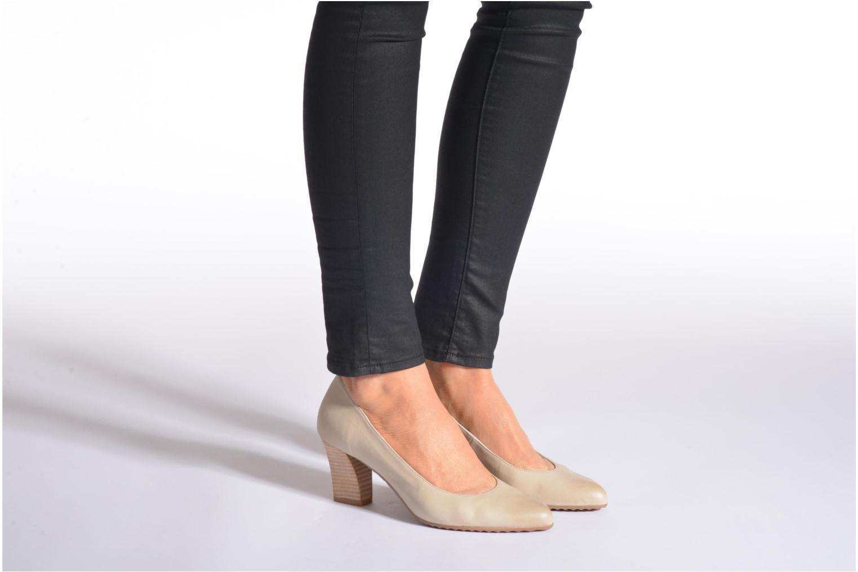 High heels Perlato Pampelune Beige view from underneath / model view