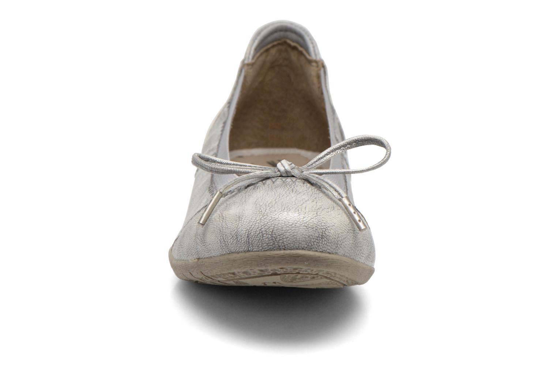 Ballerines Mustang shoes Lasle Argent vue portées chaussures