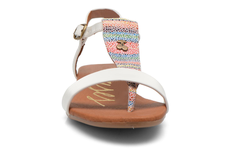 Sandales et nu-pieds Le temps des cerises Carly Blanc vue portées chaussures