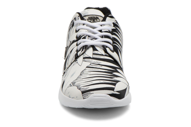 Baskets Le temps des cerises Lc Fly Noir vue portées chaussures