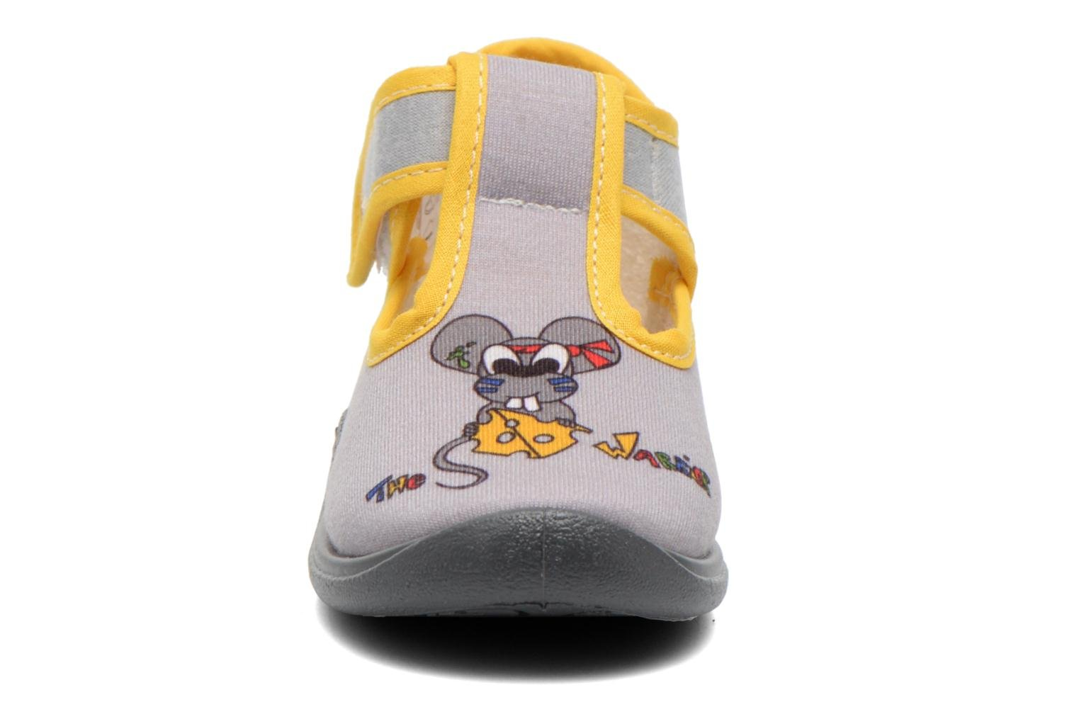 Chaussons Babybotte Miki Gris vue portées chaussures