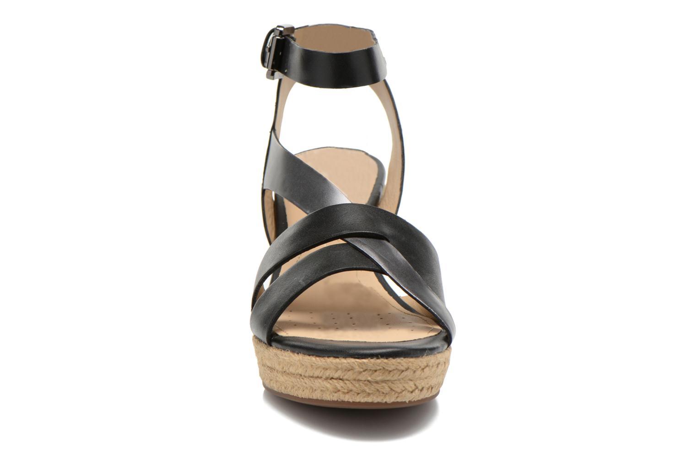 Sandales et nu-pieds Geox D SOLEIL C D62N7C Noir vue portées chaussures