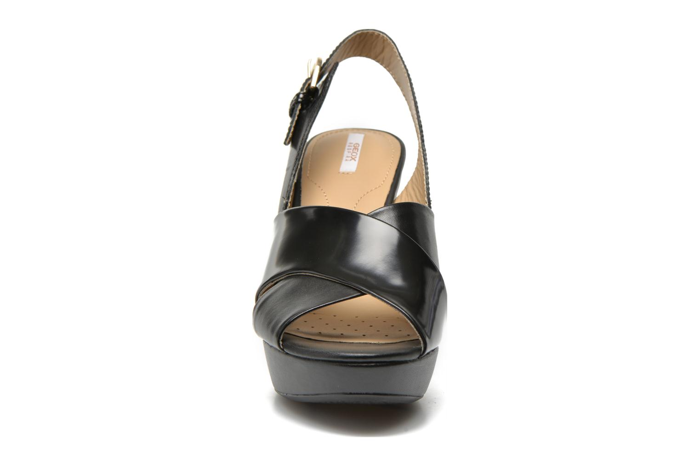 Sandali e scarpe aperte Geox D HERITAGE B D62R1B Nero modello indossato