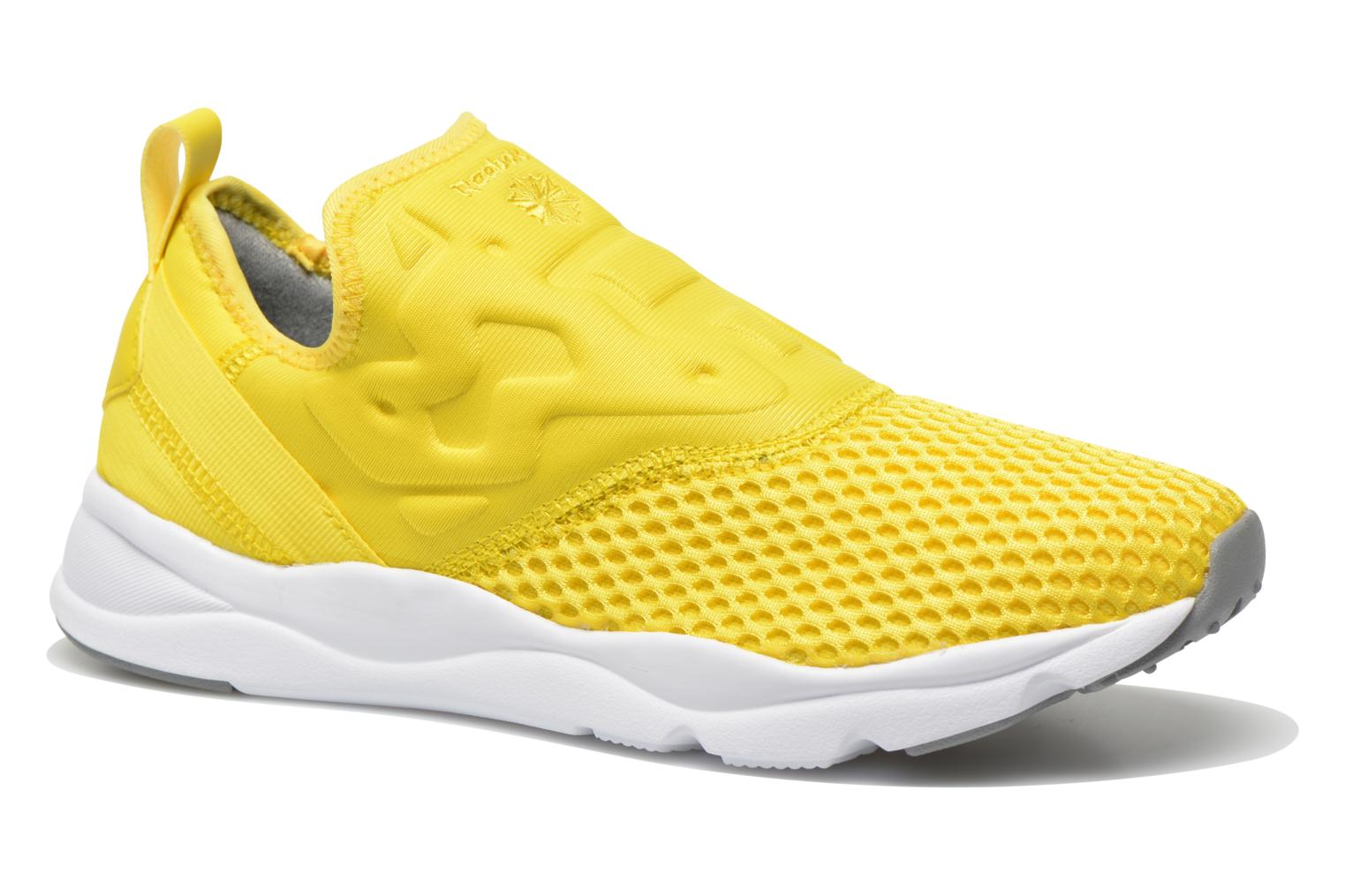 Trainers Reebok Furylite Slip-On Tech Yellow detailed view/ Pair view