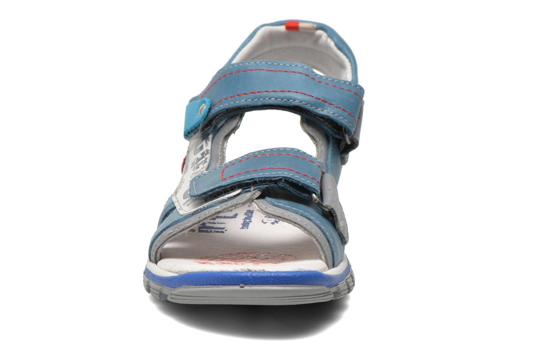 Sandalias Babybotte Karibou Azul vista del modelo