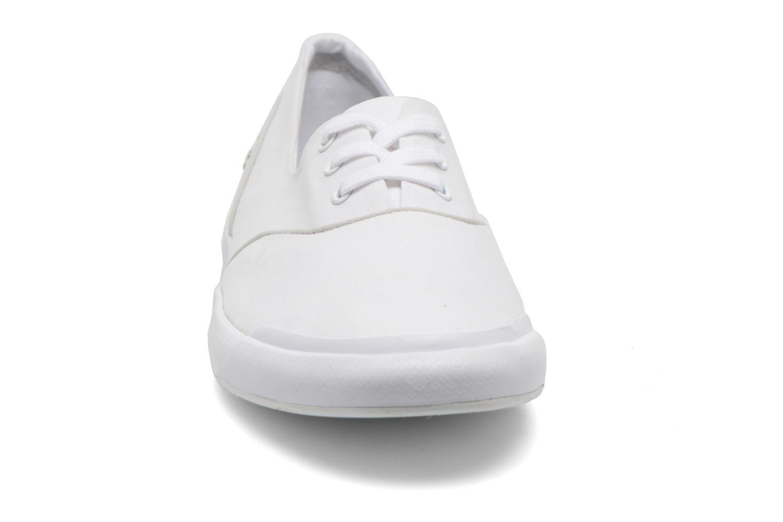 Baskets Lacoste Lancelle Lace 3 Eye 216 2 Blanc vue portées chaussures