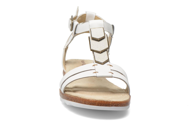 Sandali e scarpe aperte Hush Puppies Bretta Jade Bianco modello indossato