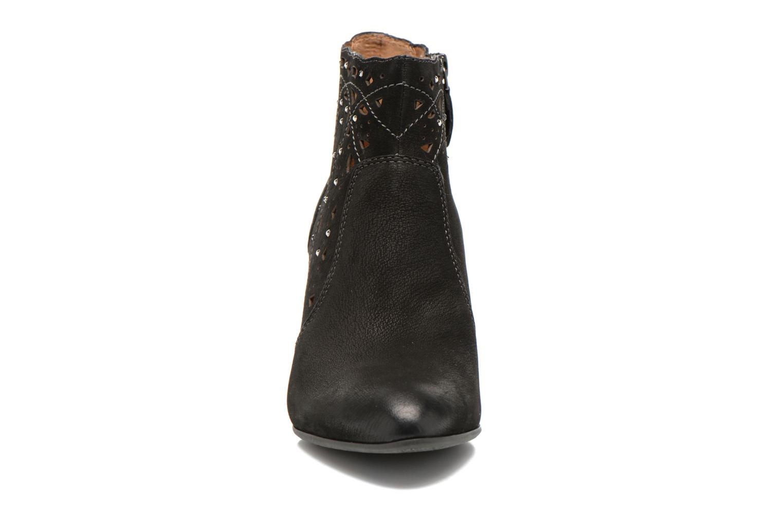 Bottines et boots Tamaris Cara Noir vue portées chaussures