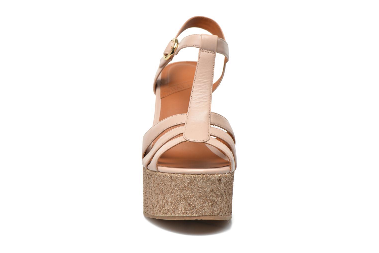 Sandalias What For Cabia Beige vista del modelo