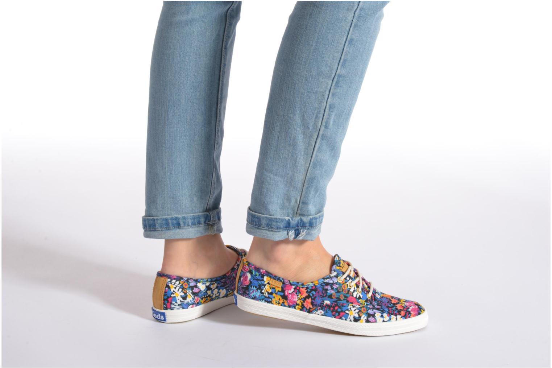 Sneaker Keds Ch Liberty Floral mehrfarbig ansicht von unten / tasche getragen