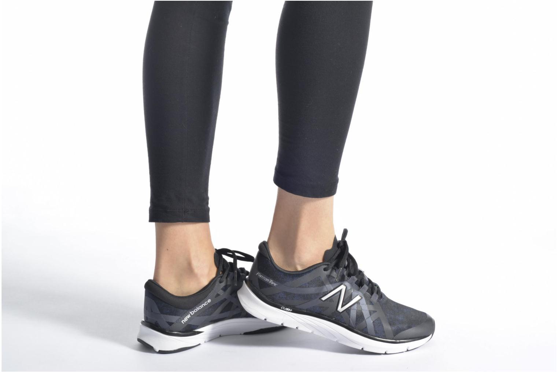 Chaussures de sport New Balance WX811 Violet vue bas / vue portée sac