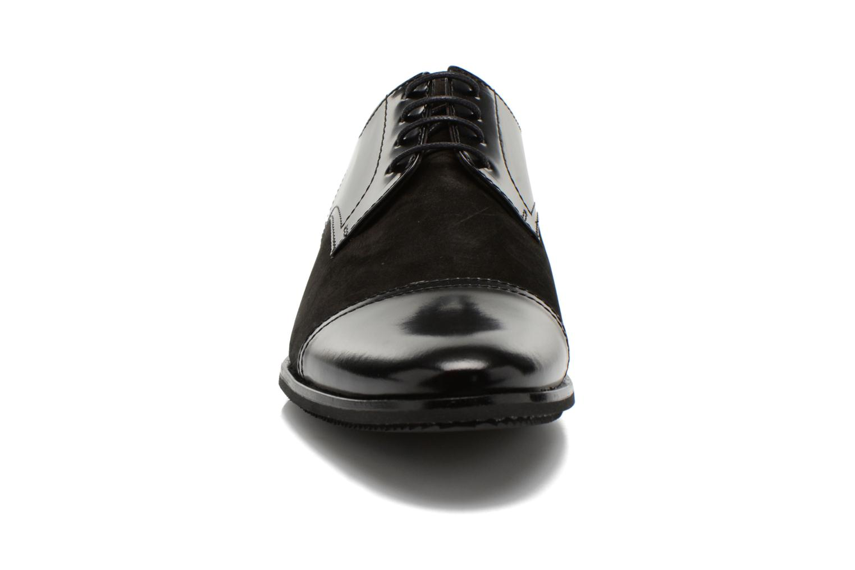 Etienne by Lagerfeld Black Daim Vernis 90