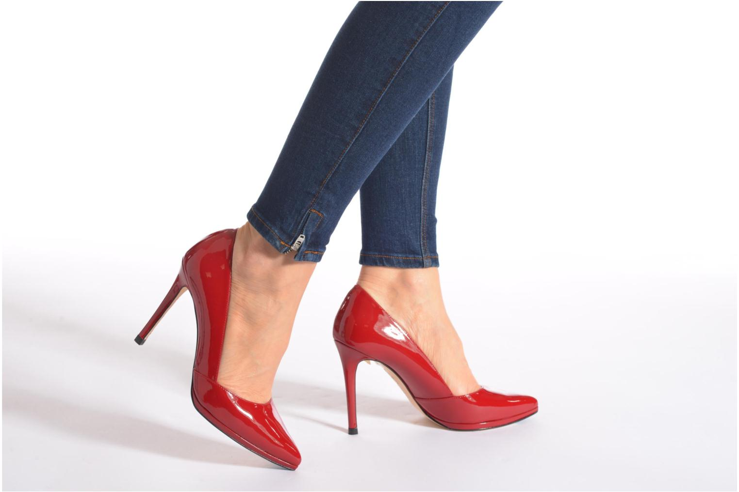 High heels Minelli F91 610/VER Red view from underneath / model view