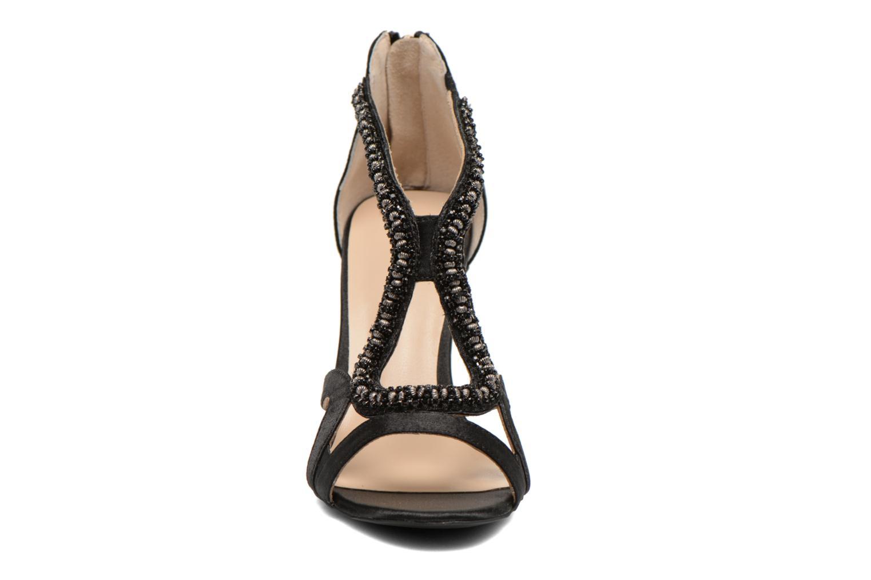 Sandalen Minelli F93 635/SAT schwarz schuhe getragen