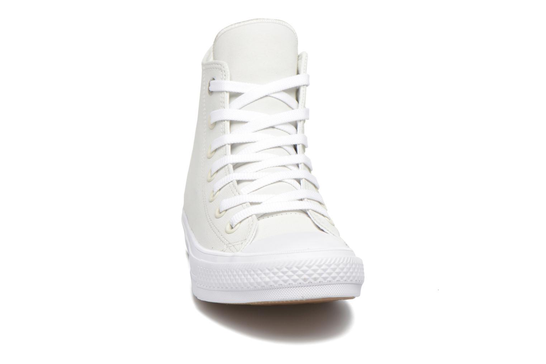 Baskets Converse Chuck Taylor All Star II Hi W Blanc vue portées chaussures