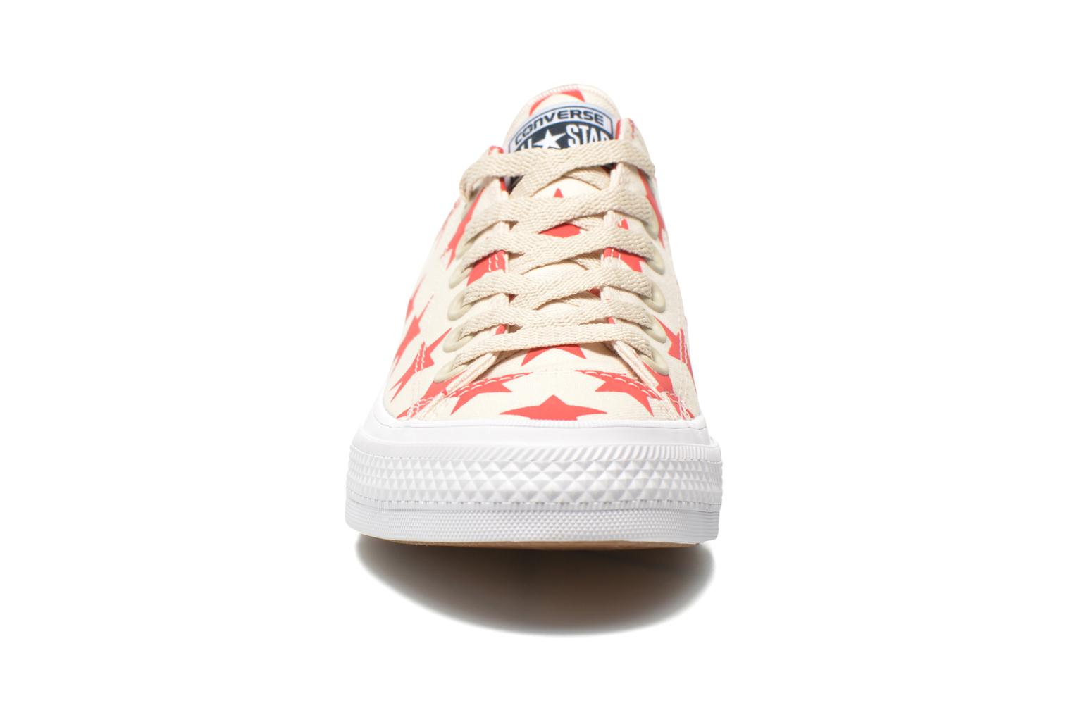 Baskets Converse Chuck Taylor All Star II Ox W Multicolore vue portées chaussures