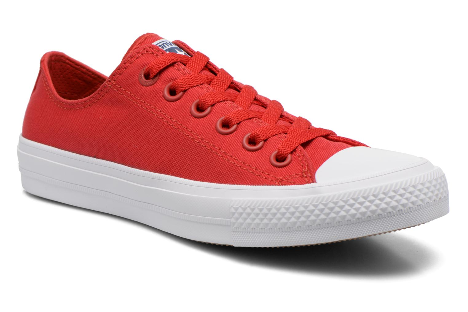 Trainers Converse Chuck Taylor All Star II Ox M Red detailed view/ Pair view