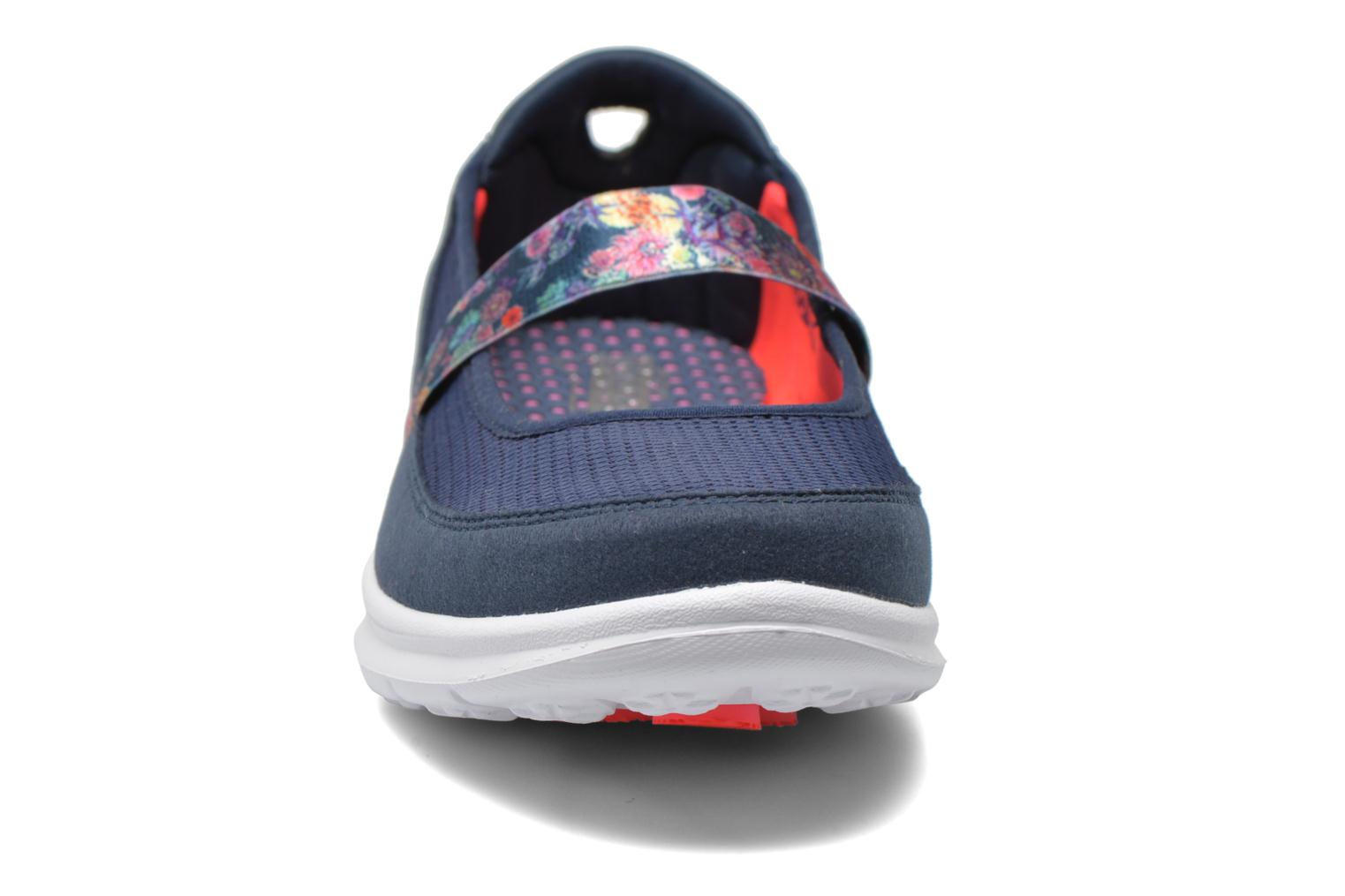 Bailarinas Skechers Go Step - Bloom 14214 Azul vista del modelo