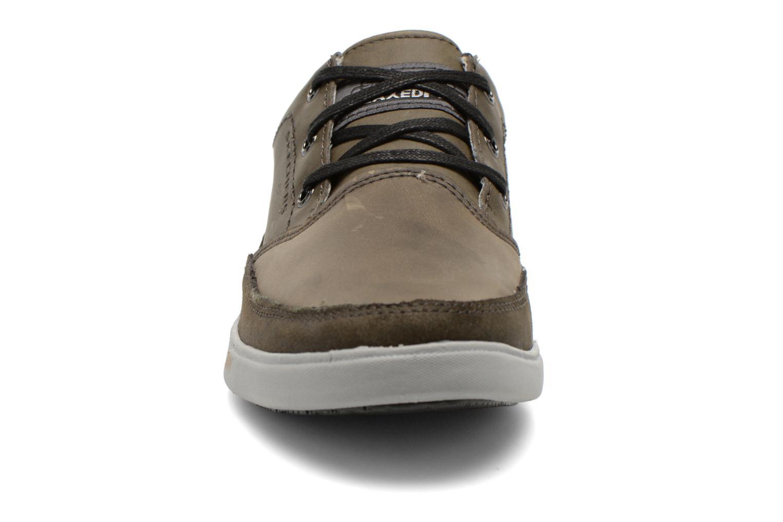 Chaussures à lacets Skechers Cardova 64663 Gris vue portées chaussures