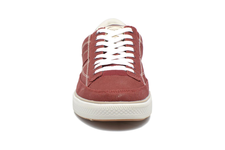 Sneakers Skechers Arcade- Chat Mf 51014 Rosso modello indossato