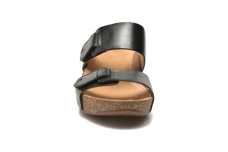 Temira East Black leather