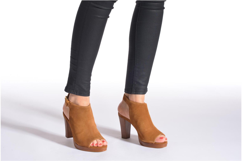 Sandalen San Marina Medoa braun ansicht von unten / tasche getragen