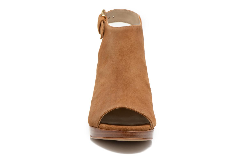 Sandales et nu-pieds San Marina Medoa Marron vue portées chaussures