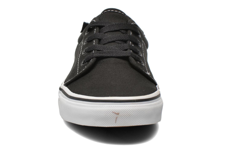 Baskets Vans 106 Vulcanized E Noir vue portées chaussures
