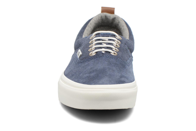 Sneakers Vans Era Mte Azzurro modello indossato