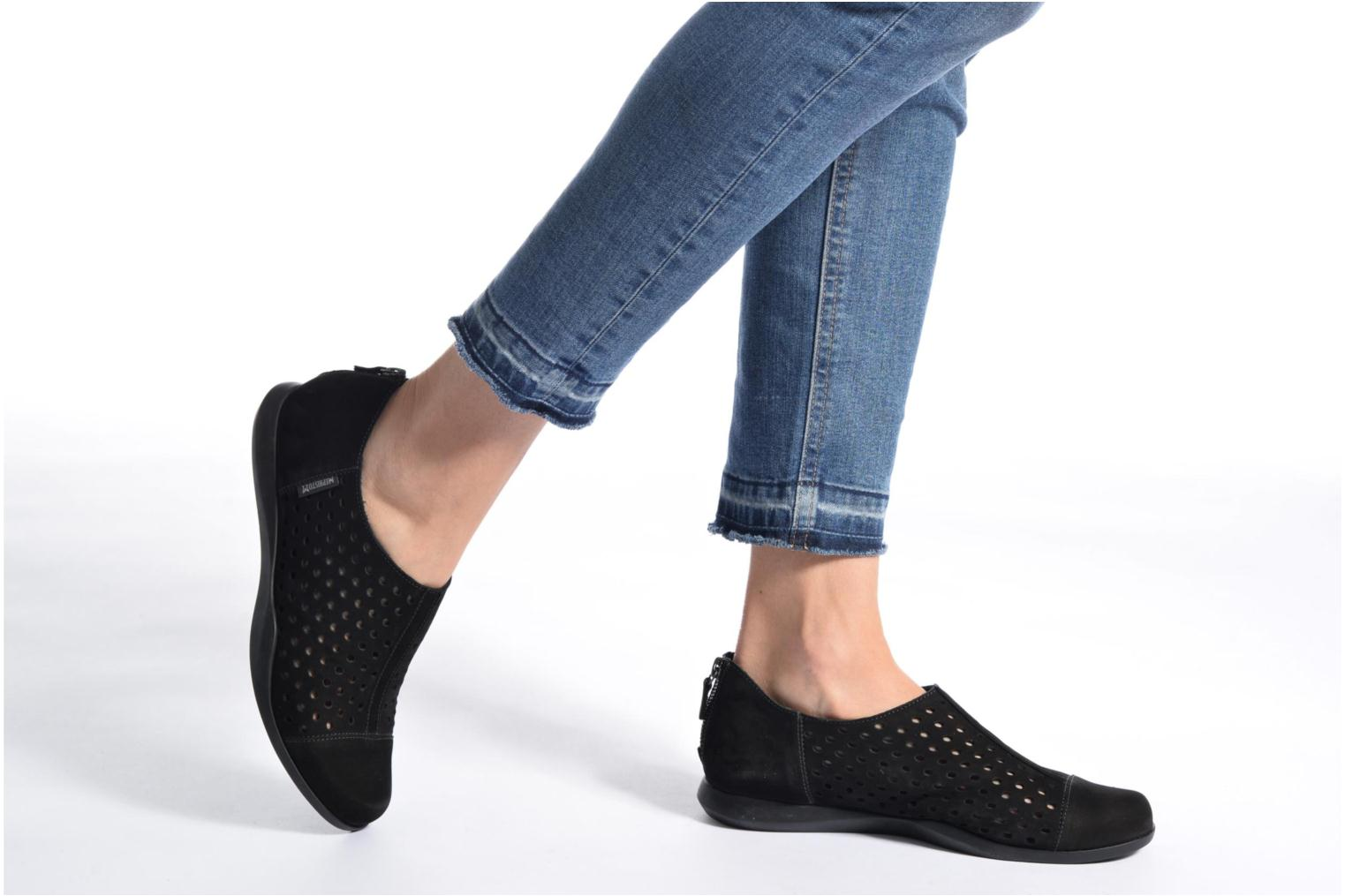 Loafers Mephisto CLEMENCE Black view from underneath / model view