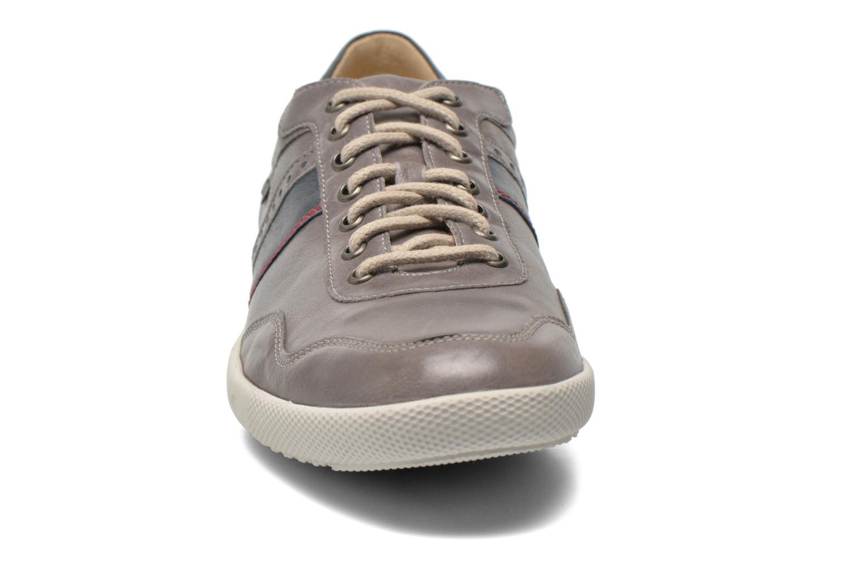 Baskets Mephisto URBAN Gris vue portées chaussures