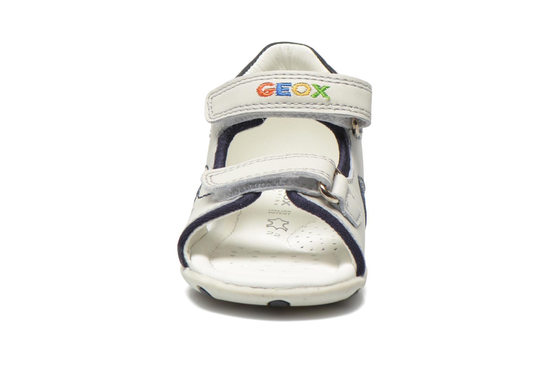 Sandales et nu-pieds Geox B Sandal Elba Boy B52L8B Blanc vue portées chaussures