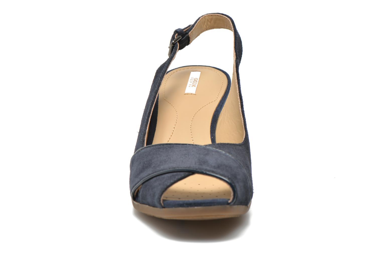 Sandales et nu-pieds Geox D Consuelo D5282B Bleu vue portées chaussures