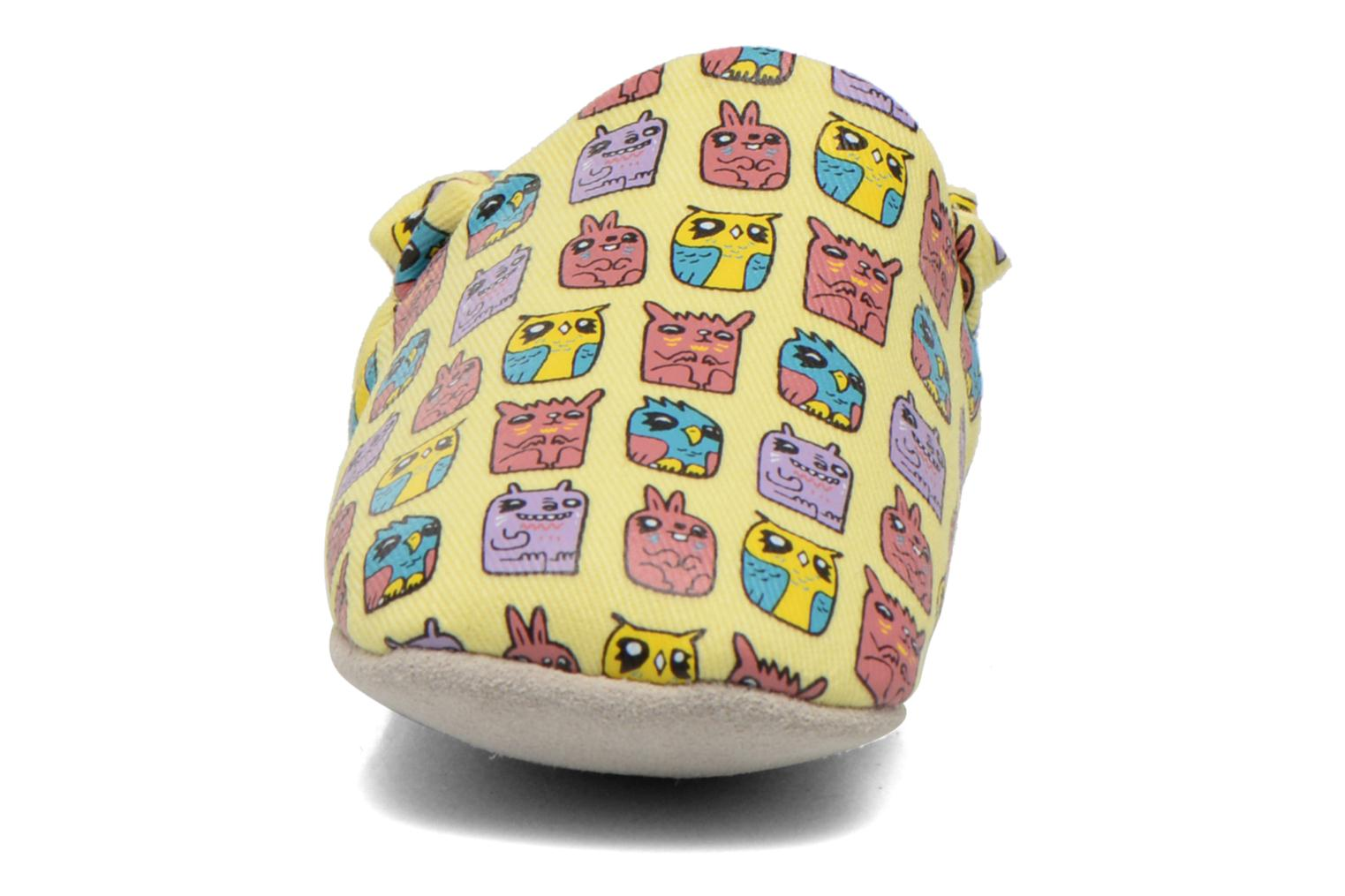 Slippers Poco Nido ANIMAL CUBES Yellow model view